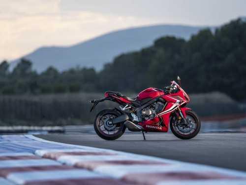 Honda CBR500R, CBR500R 2021, giá moto Honda 2022