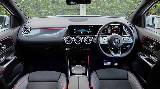 oto Mercedes GLA Class2022, gia xe GLA 200 2021, A250 4Matic, GLA 45 4Matic