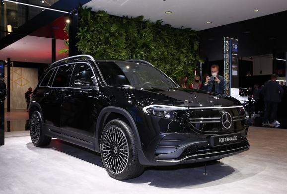 xe dien Mercedes-Benz 2022, gia xe EQB, Mercedes EQB 2022